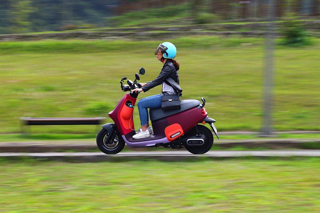 Gogoro VIVA Mix的市場目標就是都會代步或上下班騎乘的族群,想要更大...