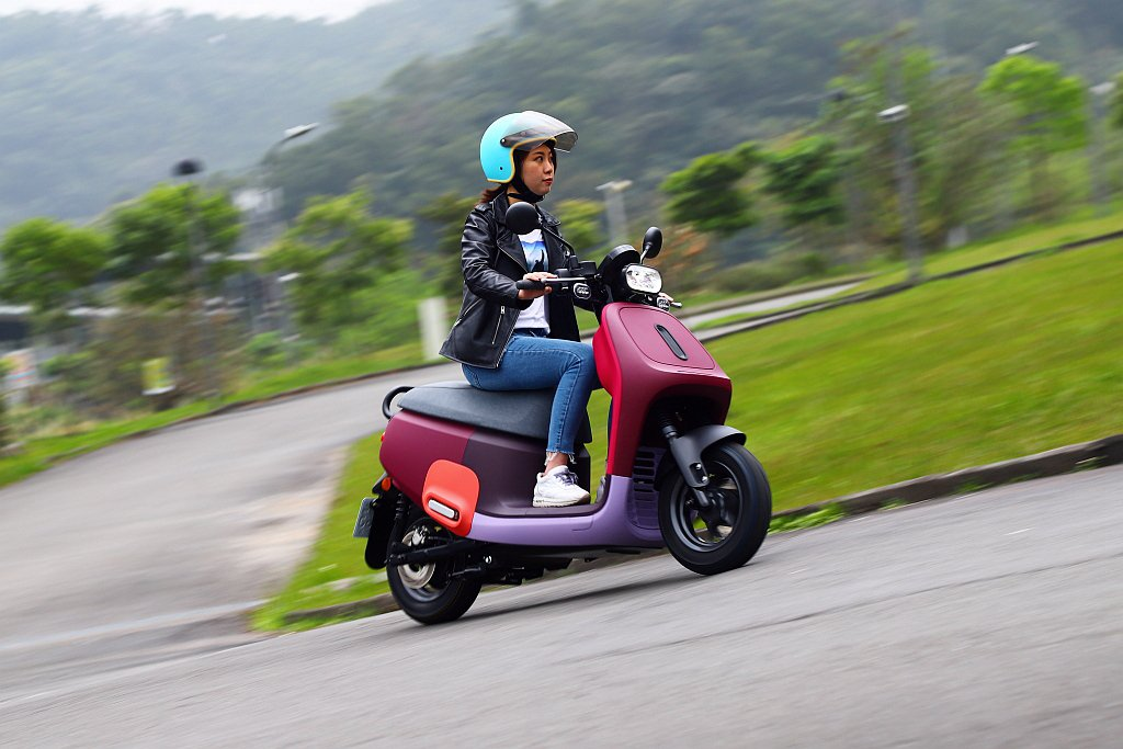 Gogoro VIVA Mix藉由細節改進使電動機車更符合大眾的使用需求。 記者...