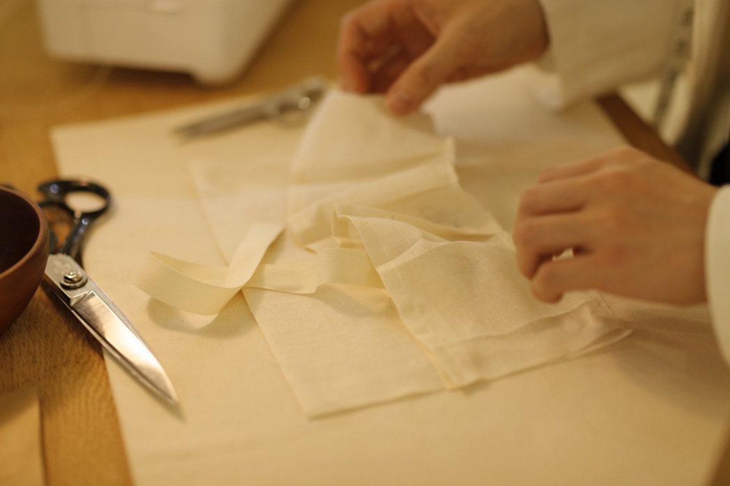 Aesop釋出收納包的製作版型,讓更多人可用舊布料改造。圖/正好公關