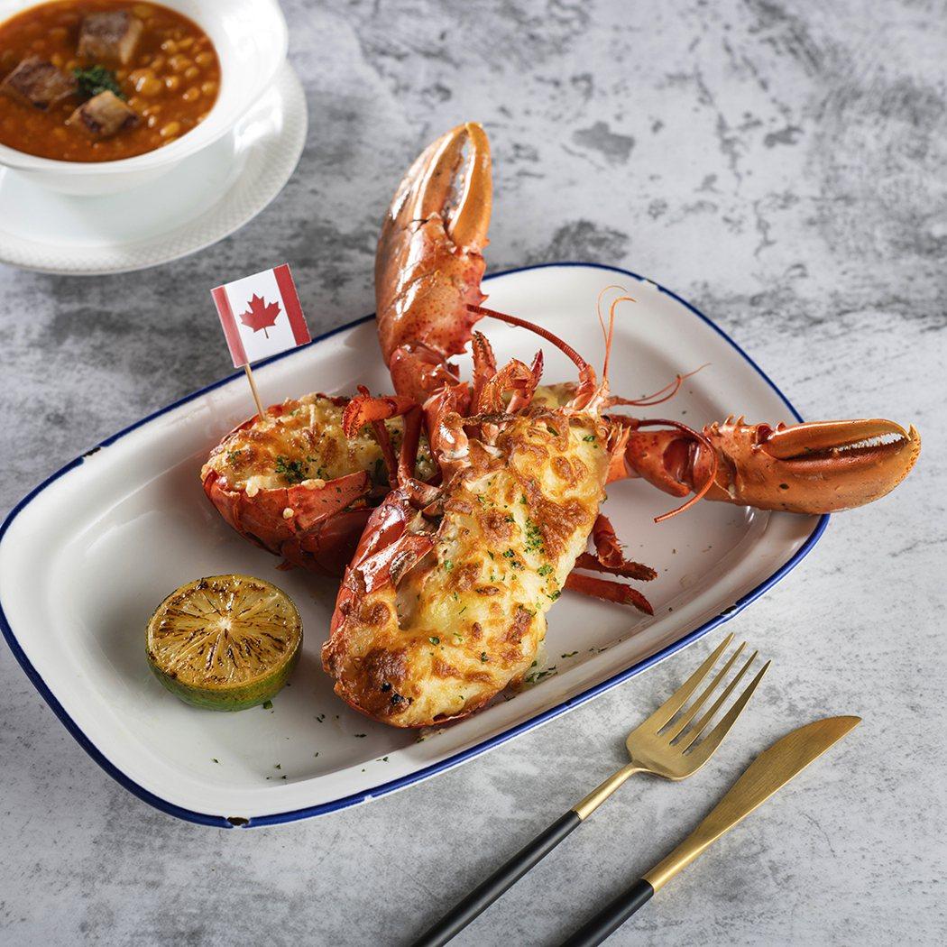 加價558元即可享用整隻現撈活加拿大龍蝦。 炭烤加拿大牛肉串。 業者/提供