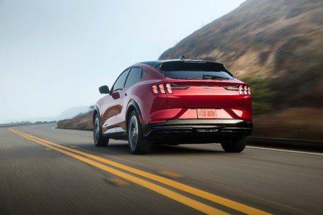 純電野馬Ford Mustang Mach-E銷量增 Tesla美國市占率開始流失!