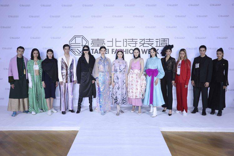 模特兒在展前記者會搶先曝光13位設計師作品。記者王聰賢/攝影