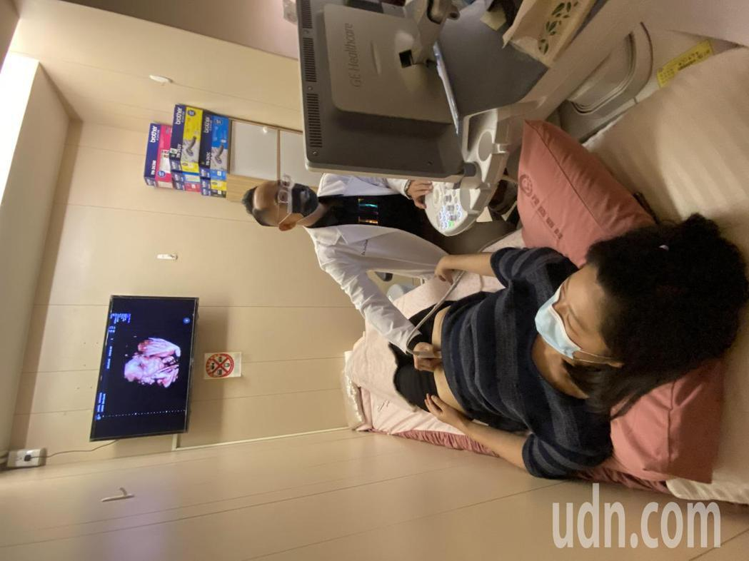 茂盛醫院執行長李俊逸今天說,調查近4千名婦女卵子庫存量顯示,35歲以下婦女有近1...
