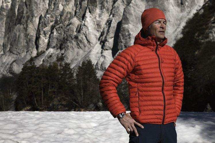 Oris去年曾與國際知名探險游泳選手Ernst Bromeis合作,行動支援水資...