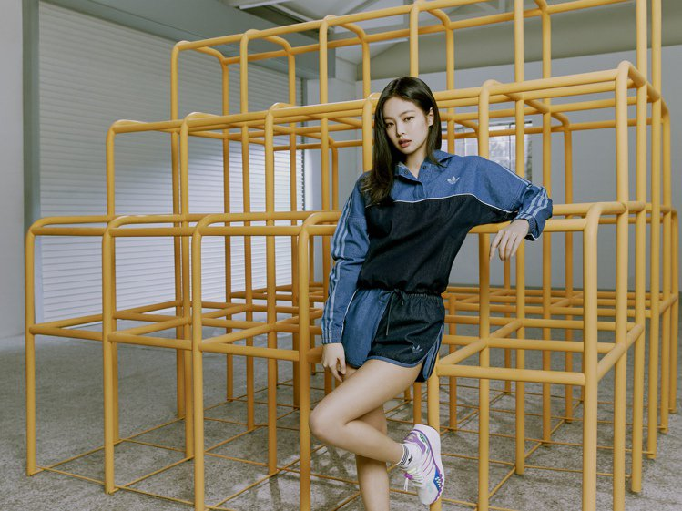 BLACKPINK成員JENNIE演繹adidas Originals全新春季女...