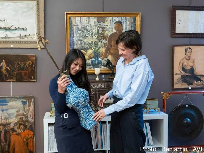 林如禪(圖左)是Lynda Trouvé (圖右)巴黎拍賣場鑑定師,大名近來還登上巴黎著名藝術古董拍賣中心德魯奧(Drouot)拍賣目錄列的新生代鑑定師(Expert Junior)。圖/林如禪提供
