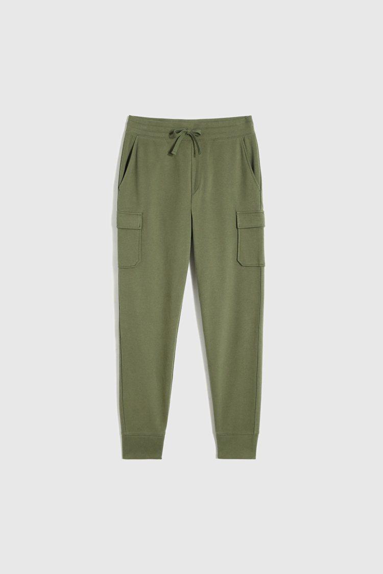 GAP早春「法式圈織」柔軟系列休閒褲1,299元。圖/GAP提供