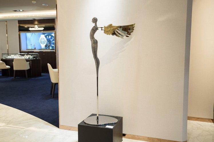林家慶作品,「加百列天使(大)」。圖 / 高登鐘表提供。