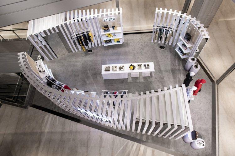 FENDI微風南山男裝快閃店自即日起至6月28日止,獨家展示最新春夏新品。圖/F...