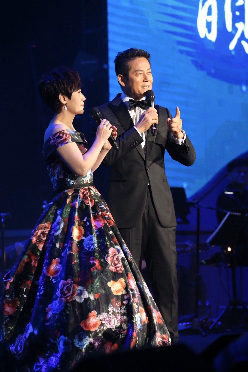 徐乃麟瓊瑤演出嫩樣曝光引下觀眾燦笑,登台笑嗆「笑屁啊」。記者林俊良/攝影