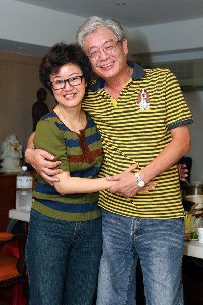 高愛倫(左)與吳定南的第一張合照。圖/高愛倫提供
