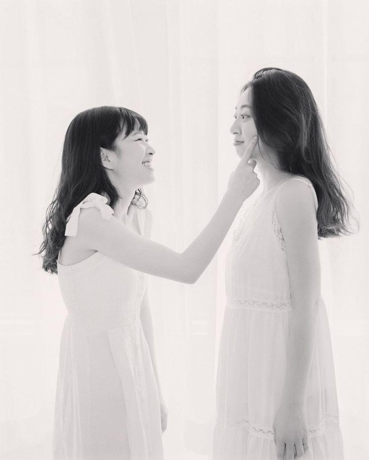 莊凌芸與姊姊Debby。圖/擷自IG