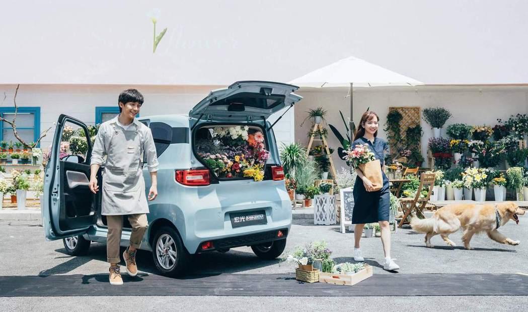 在今年1月全球電動車型銷量排行榜中,五菱宏光MINIEV以3.7萬輛的銷售數據排...