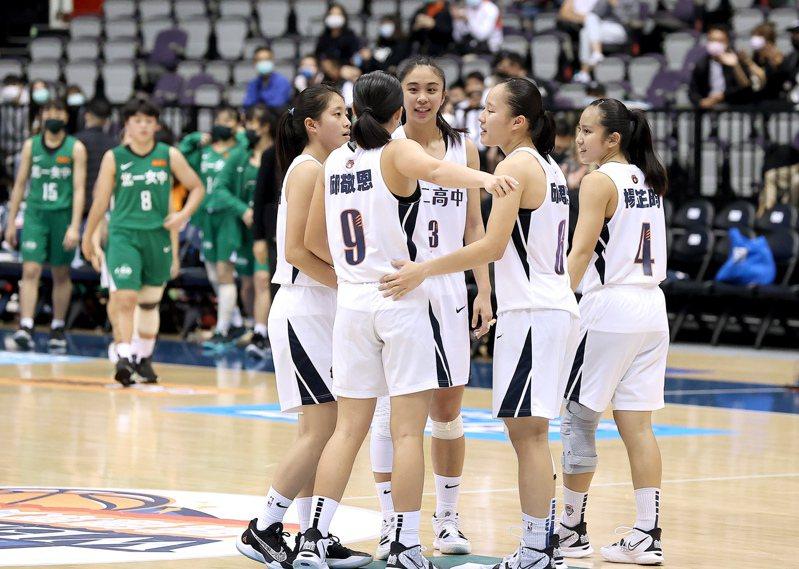 HBL女子組四強賽,永仁高中以62比49擊敗北一女中闖進冠軍賽。 記者余承翰/攝影