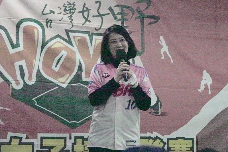 台灣女子棒球運動推廣協會理事長吳思瑤。 王婉玲攝影