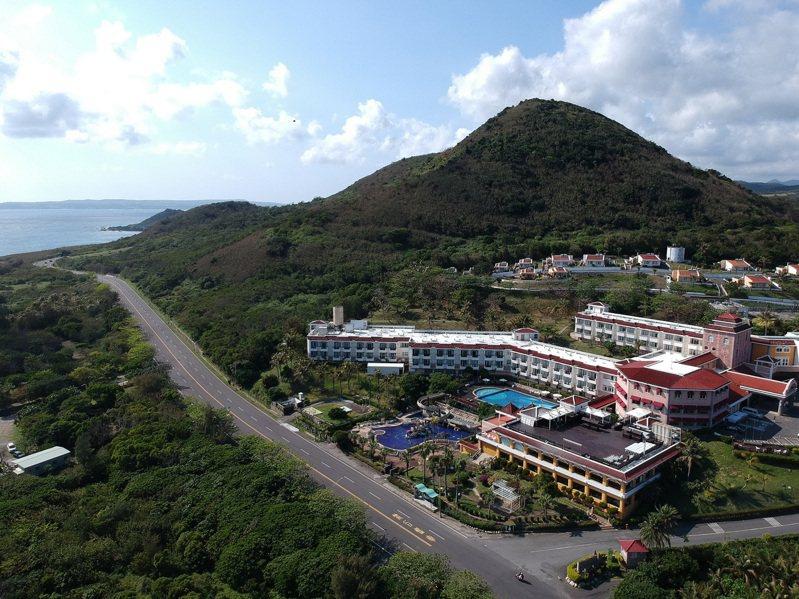 福容墾丁店擁有廣闊的度假空間,可飽覽山光水色。圖/福容飯店提供