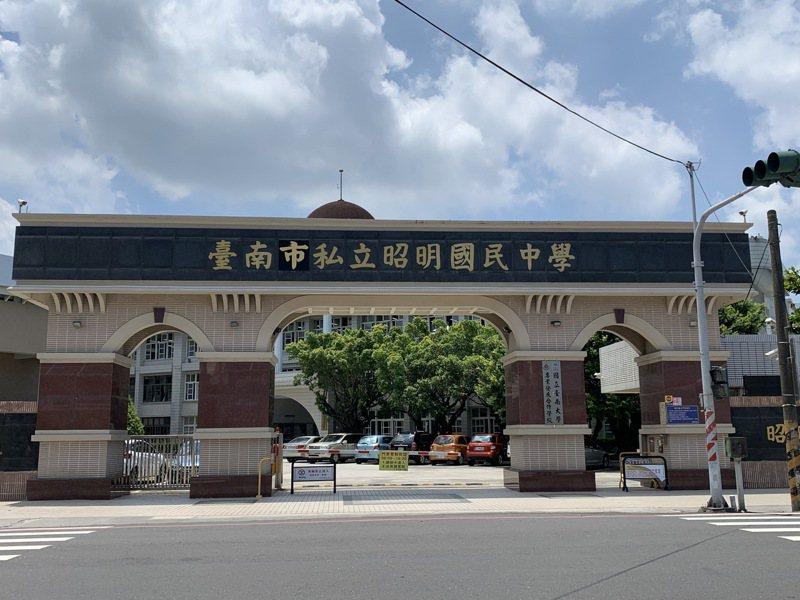 台南市代用昭明國中招生一枝獨秀。記者吳淑玲/攝影