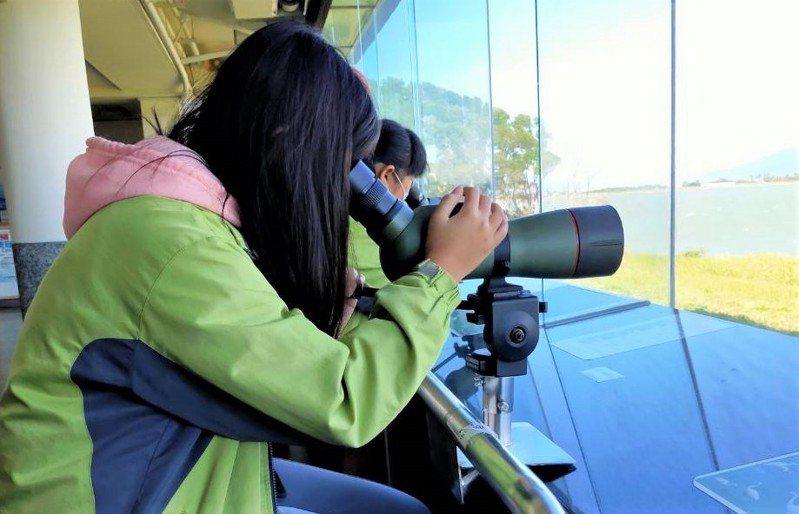 墾丁雁鴨季系列活動最終場今天登場,龍鑾潭自然中心安排駐點解說、猛禽與水鳥觀察和闖關遊戲等活動。記者潘欣中/翻攝