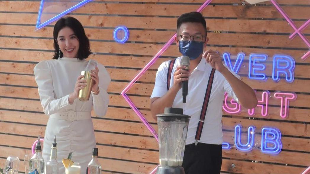 楊謹華代言建案也以鳳梨為基底調製茶飲,兼做公益。記者王昭月/攝影