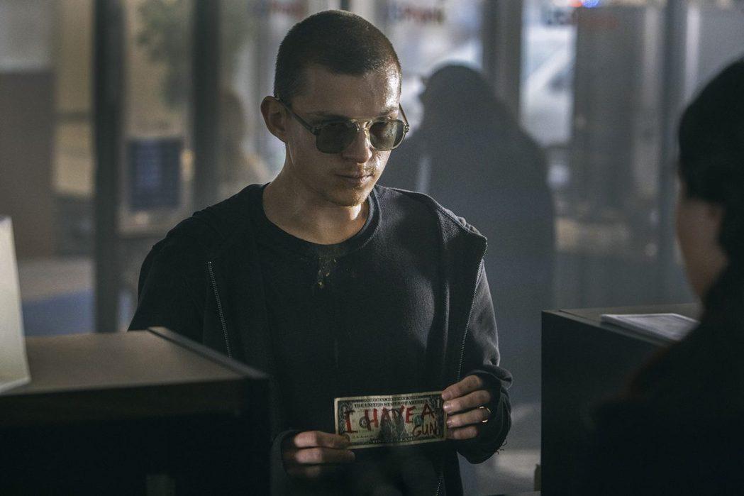 湯姆霍蘭德暫時拋下「蜘蛛人」角色,在新片「迷途之心」貢獻驚人演技,有吸毒、搶銀行