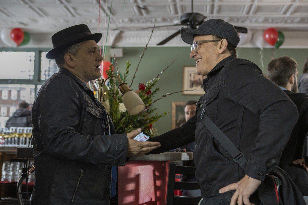 喬羅素(左)、安東尼羅素(右)熱愛一起執導電影,這次拍「迷途之心」也笑稱「兩個頭...