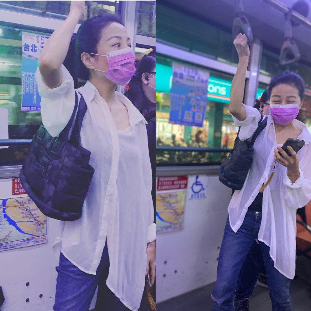 方文琳搭公車初體驗。圖/摘自臉書