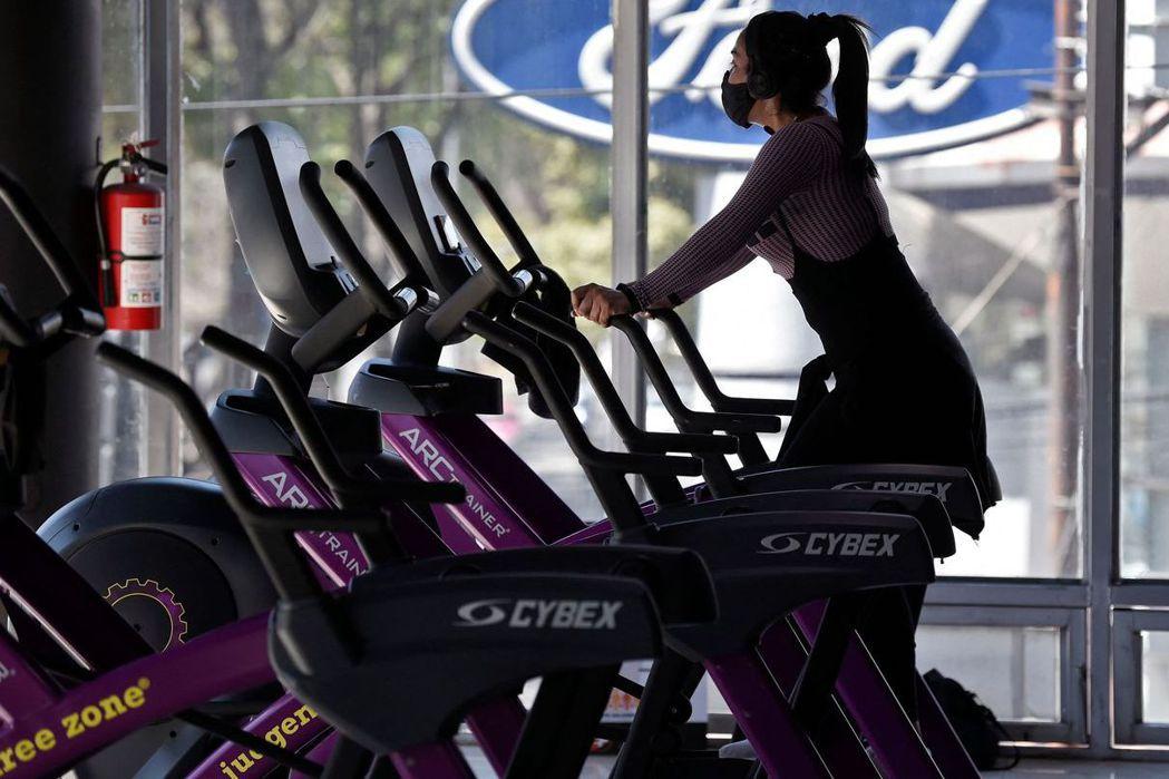 「我更要以身作則成為病患的典範,鼓勵病患運動,我也陪你運動。」示意圖。 圖/法新社