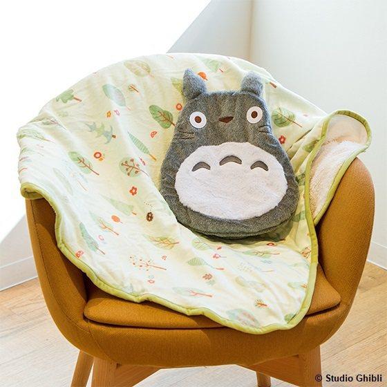 龍貓可收納蓋毯系列,1,400元。圖/橡子共和國提供