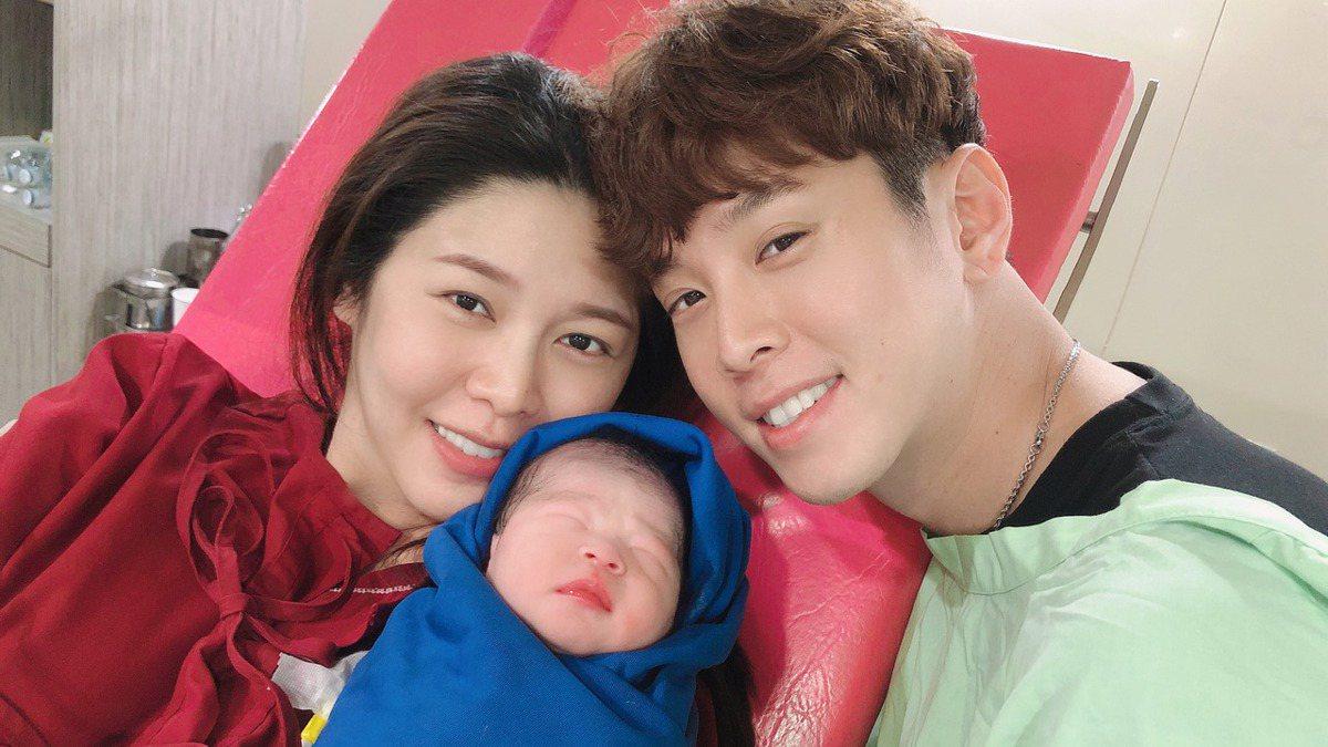 恭喜!白家綺第4胎誕生 進醫院等22小時終於卸貨