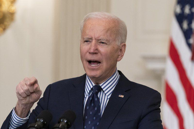 美國參院6日通過拜登的紓困案後,拜登在白宮記者會上表示,此法案本身估計將增加600萬個工作機會。美聯社