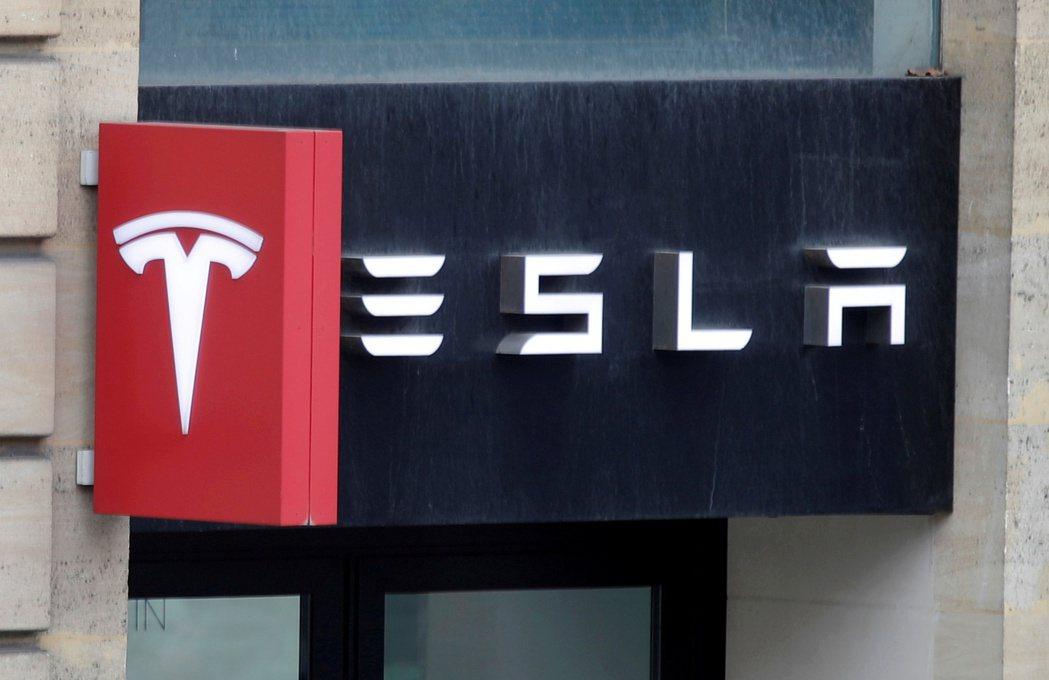 今年1月,在歐洲市場賣最多電動車的是福斯集團,銷量為10,193輛,市占率逾22...