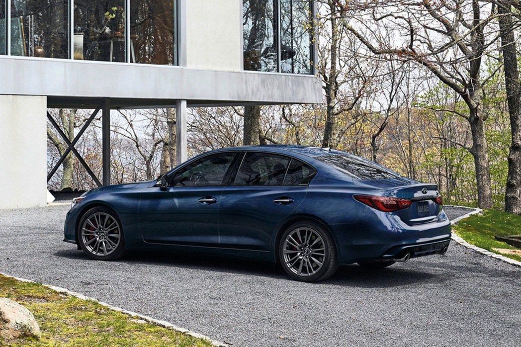 Q50 300GT搭載INFINITI家族最新、最輕3.0升V6雙渦輪高效增壓引...