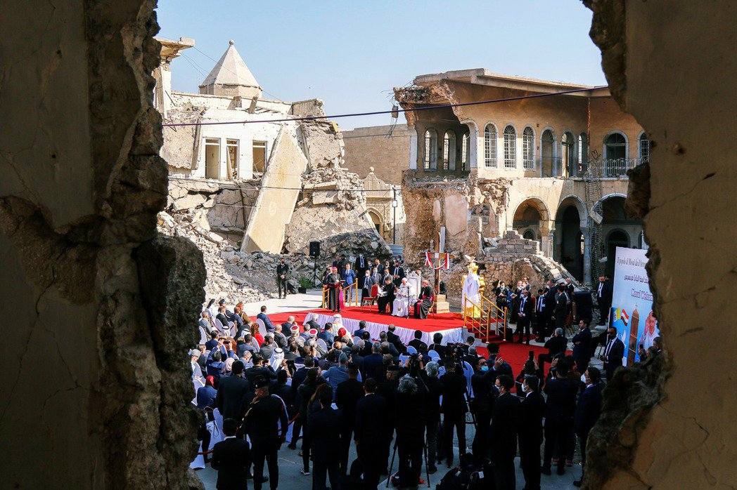 教宗方濟各從上周正式展開了天主教史上首次的伊拉克訪問之旅,順利完成與什葉派領袖希...
