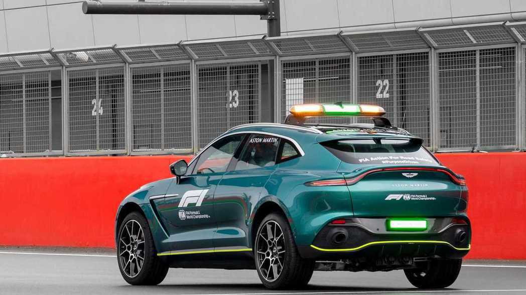 Aston Martin DBX Medical Car。 圖/Aston Ma...