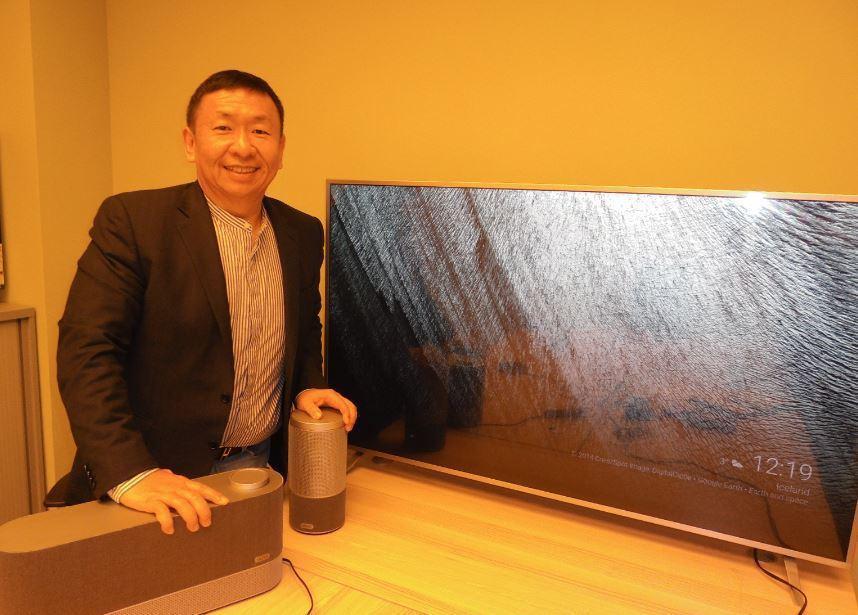 Vizio總裁王蔚與液晶電視產品。報系資料照