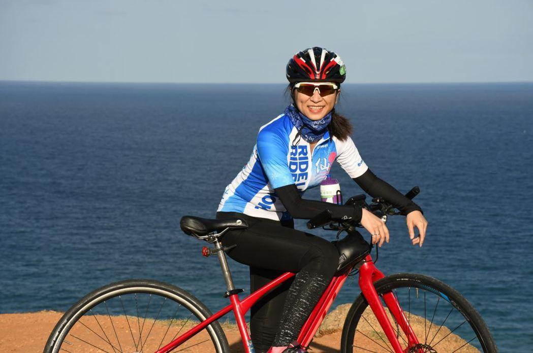 2021自行車旅遊年,許多民眾騎電動輔助自行車,輕鬆騎遊墾丁。 捷安特/提供