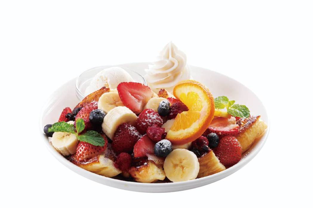 綜合莓果法式吐司。