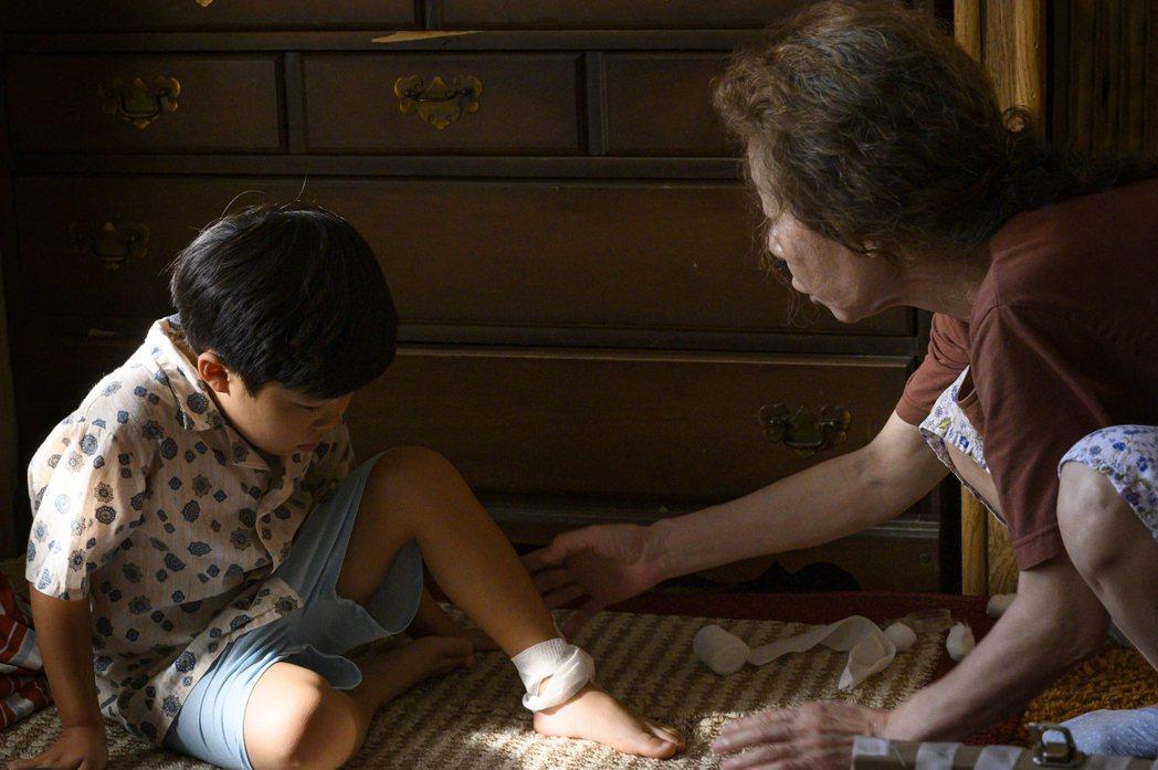 「夢想之地」中飾演小兒子的童星艾倫.金(Alan Kim)(左)是開心果,片中他