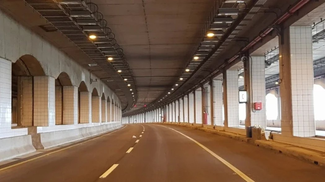 西濱台15線鳳鼻尾隧道裝設區間平均速率監測自動偵測系統,4月中旬可建置完成,驗收...