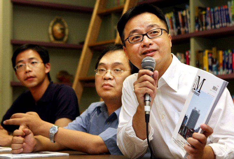 蔡英文總統的文膽李拓梓(左)被傳將出任總統府發言人,遭到府方否認,指並無這項規劃。本報資料照片