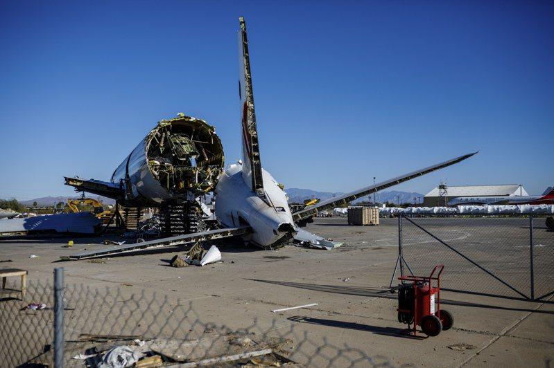 美國亞歷桑納州封存許多飛機。紐約時報