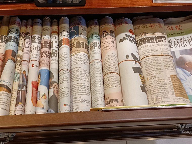 雖然進入數位時代,我還是選擇紙本閱讀,善待眼睛。圖/熊美惠提供
