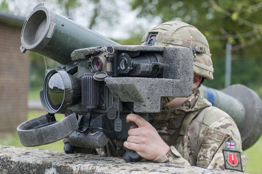 人員便携式的反裝甲飛彈不僅是國軍常備兵力的反登陸利器,也非常適合以輕裝步兵形態為主的後備部隊使用。 圖/維基共享