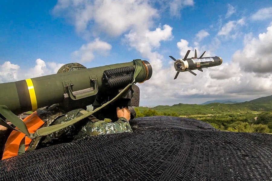 國軍於過去20年來分批引進標槍飛彈,迄今已採購超過1,100枚,供陸軍及陸戰隊使用。圖為標槍飛彈。 圖/青年日報