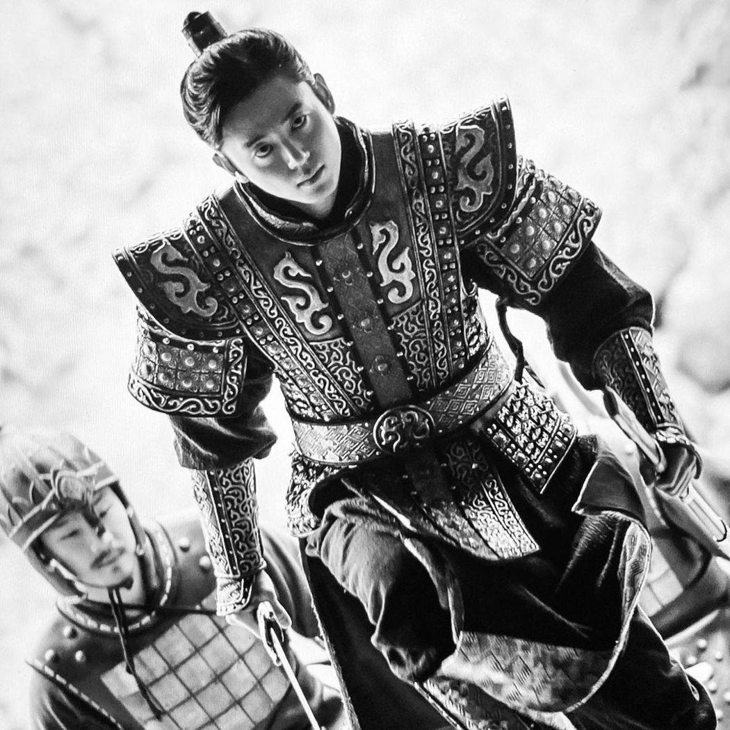李知勳在「月升之江」中飾演「高建將軍」。圖/擷自IG
