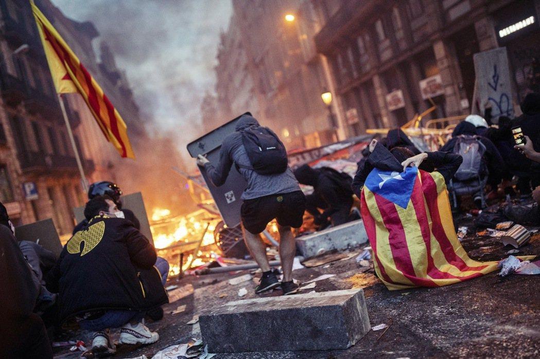 誠然,疫情及經濟發展是造就獨派勝利的利刃,但是歸根究底,加泰隆尼亞還是要從「民族...