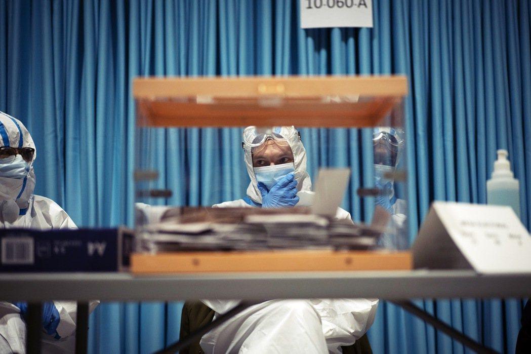 截至2月21日為止,加泰隆尼亞地區中有近4.01%人口接種了第一劑的輝瑞/Bio...
