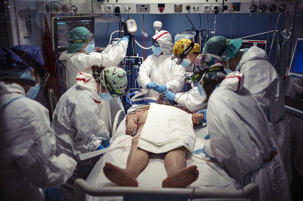 西班牙的總確診數字超過310萬宗,總死亡人數高達6萬6千人,兩項數字都是排名全球...