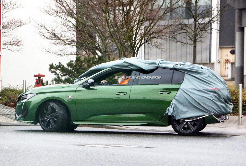 大改款Peugeot 308無偽裝曝光。 摘自Carscoops