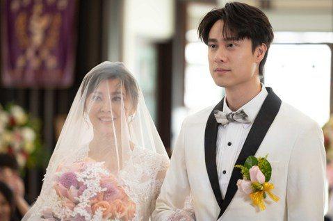 方馨、劉書宏在TVBS「女力報到-好運到」中組成的的「帆青CP」終於舉辦婚禮,方馨自模特兒出道後就有不少穿婚紗的機會,她喊:「數不清了,至少有超過百次以上。」劉書宏則是第二次拍攝婚禮戲,這回獻給方馨...